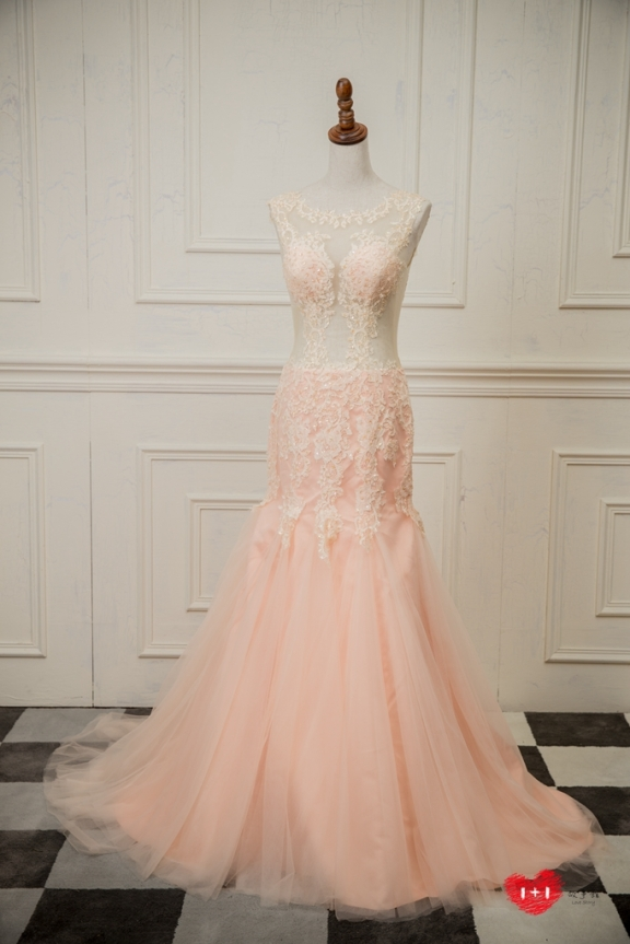 手工婚紗出租:純潔白玫瑰晚禮服