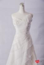 手工婚紗出租:水雪紡高衩白紗
